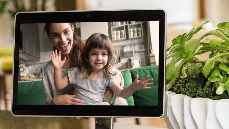 Mother and daughter on screen
